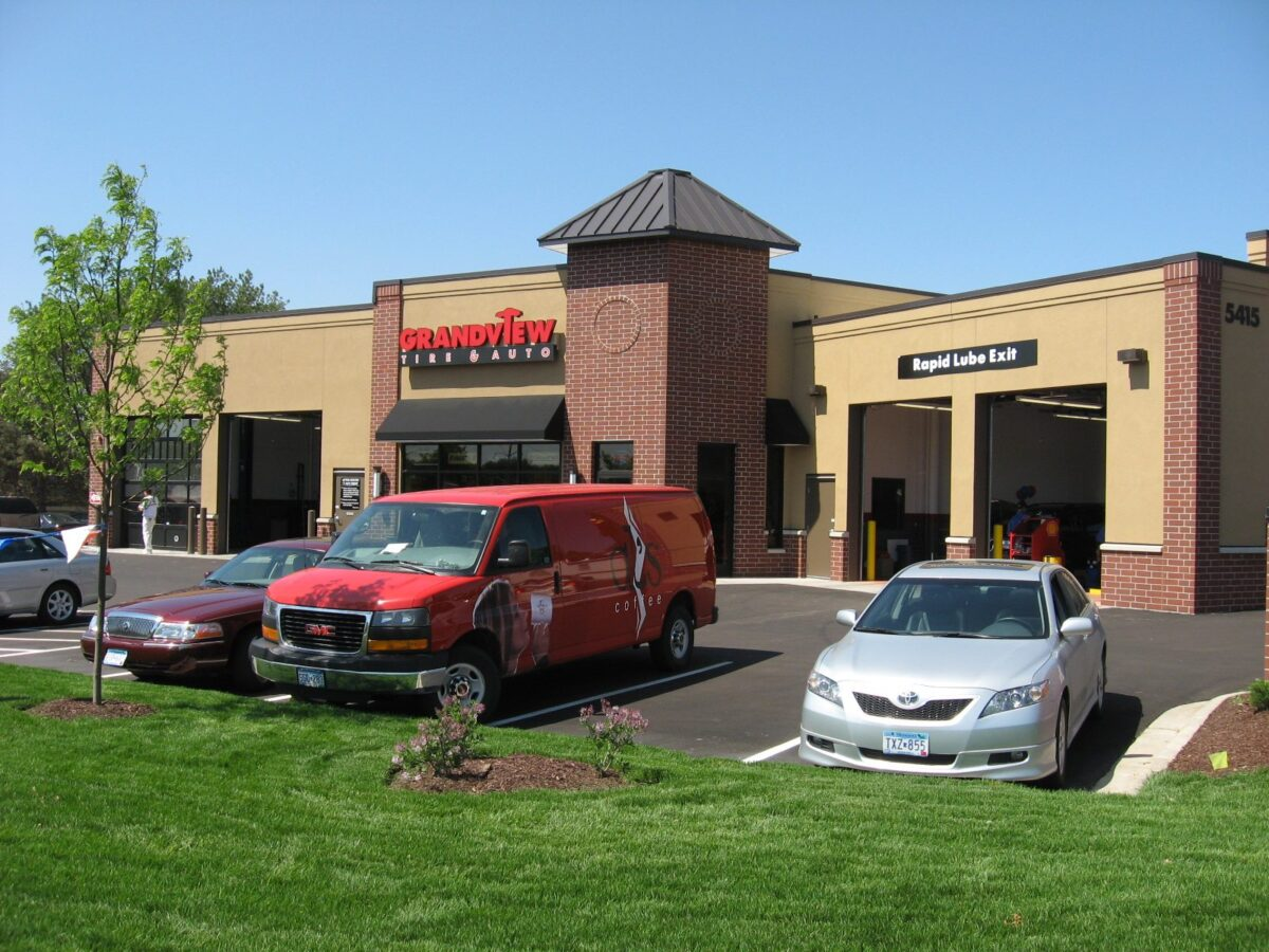 redevelopment service center project for grandview tire and auto by APPRO Development
