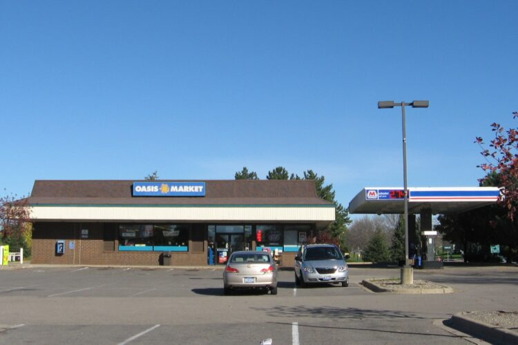 C-Store Available to Lease