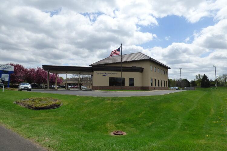 Professional Office Near Cedar Avenue