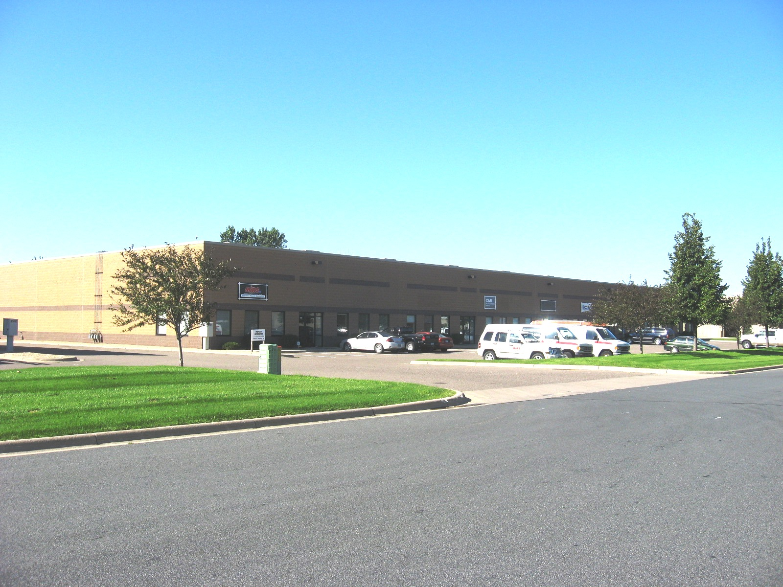 21021 Heron Way Lakeville Office Warehouse Lease Space